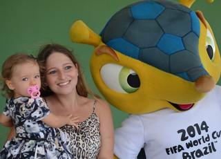 Tour da Taça da Copa do Mundo 2014, em João Pessoa, Fuleco (Foto: Larissa Keren / GloboEsporte.com/pb)