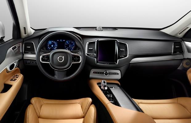 Interior do Volvo XC90 T8 com preparação da Polestar (Foto: Divulgação)