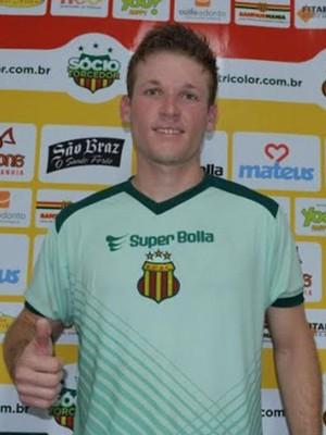 Renan Oliveira se apresentou nessa quarta-feira no Sampaio (Foto: Elias Auê/Sampaio)