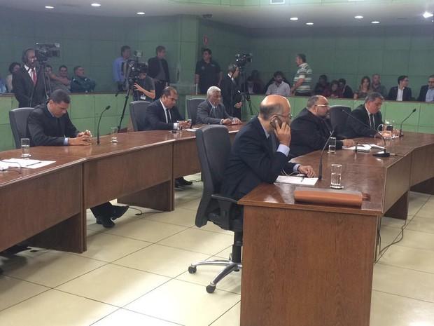 Vereadores em sessão na Câmara de Cubatão (Foto: João Paulo de Castro/G1)