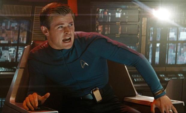Chris Hemsworth como George Kirk no filme Star Trek, de 2009 (Foto: Divulgação/IMDB)