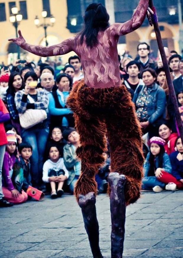 Peruano 'Sueños de Gigantes', da La Gran Marcha de los Muñecones (Foto: Divulgação )