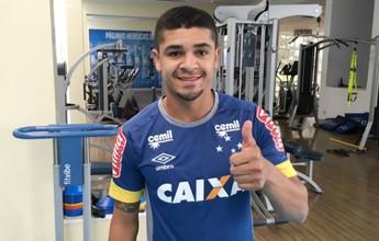 """De volta ao Brasil, Denílson exalta estrutura do Cruzeiro: """"Gigante"""""""