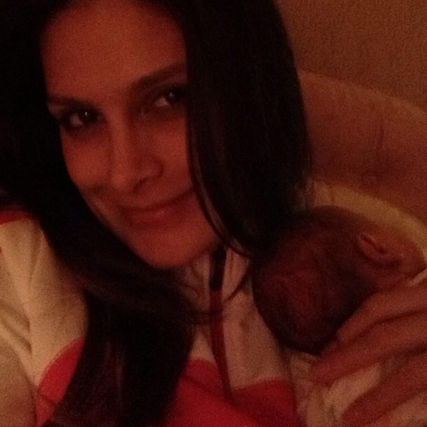 Natália Guimarães com uma das filhas (Foto: Instagram/ Reprodução)
