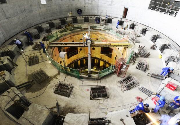 Montagem das unidades geradoras mantém o ritmo na Casa de Força Principal da usina de Belo Monte  (Foto: Betto Silva)