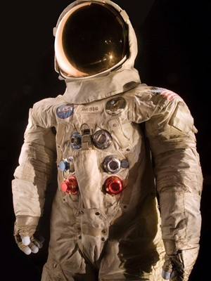Traje de Neil Armstrong será restaurado com financiamento colaborativo  (Foto: Eric Long/National Air and Space Museum, Smithsonian Institution via AP)