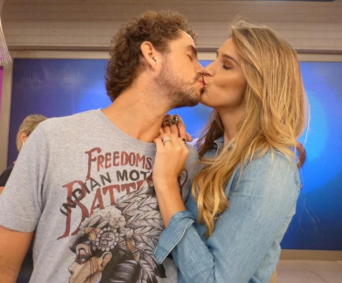 Rafa Brites e Felipe Andreoli são casados (Foto: Gshow/Encontro com Fátima)