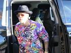 Justin Bieber aparece com visual de rapper em mercado