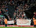 Liverpool volta atrás e reduz o preço  de ingressos após protesto da torcida