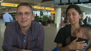 Família trocou de voo e escapou da morte (Foto: BBC)