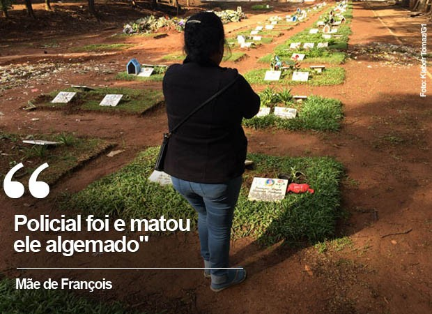 Mãe de François no cemitério onde o filho foi enterrado (Foto: Kleber Tomaz/G1)