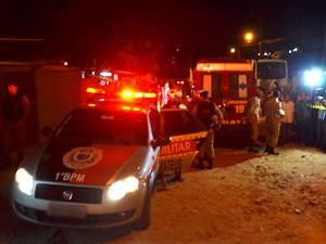 Adolescentes foram assassinados no bairro Alto do Mateus, em João Pessoa  (Foto: Walter Paparazzo/G1)