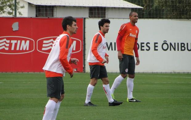 Scocco e Alex treinam no Inter (Foto: Tomás Hammes/GLOBOESPORTE.COM)