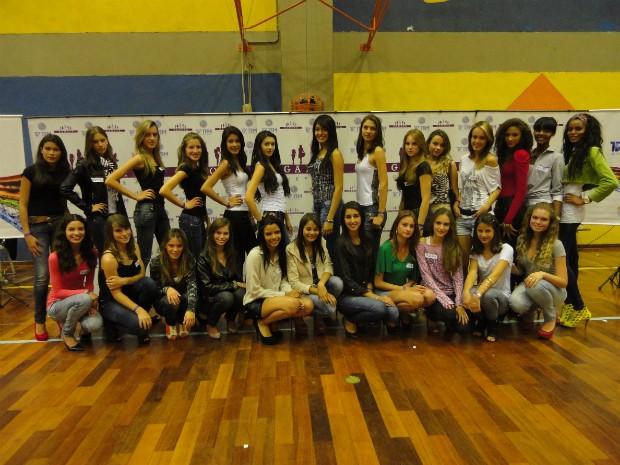 Essas são as 25 escolhidas da etapa seletiva de Itapetininga (SP) do concurso 'Garota Revista'. (Foto: Divulgação / OS2 Comunicação)