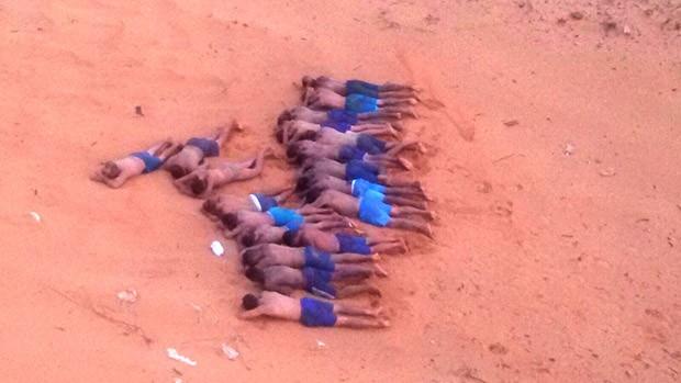 Dezenove presos, que já estavam fora do túnel, foram impedidos de escapar  (Foto: Força Nacional)