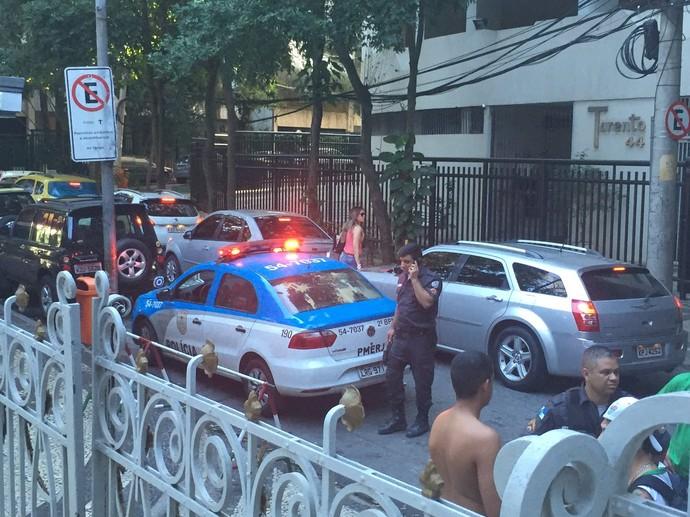 Policiamento nas Laranjeiras, sede do Fluminense (Foto: Edgard Maciel de Sá)