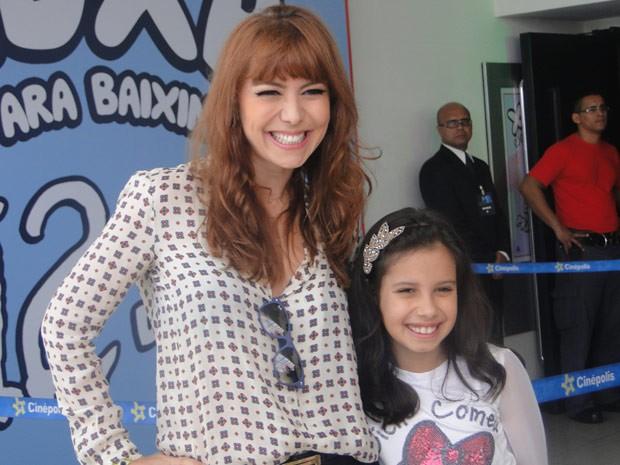 Simone Soares e a filha também marcam presença (Foto: TV Xuxa/TV Globo)
