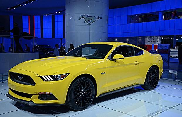 Ford Mustang GT no Salão de Detroit 2014 (Foto: Newspress)