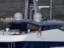 Beyoncé capricha no salto e se joga no mar de Sardenha, na Itália