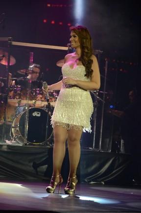 Solange Almeida canta em Fortaleza (Foto: Sandro Honorato e Fred Pontes/ Divulgação)
