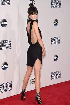 Kendall Jenner em prêmio de música em Los Angeles, nos Estados Unidos (Foto: Jason Merritt/ Getty Images/ AFP)