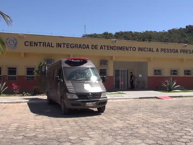 Em Vitória (ES), audiências de custódia ocorrem em prédio do tribunal dentro de centro de detenção provisória de presos (Foto: Tj-ES)