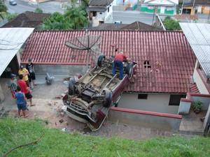 Acidente ocorreu na noite de sexta (1) (Foto: Jaime Batista da Silva/Divulgação)
