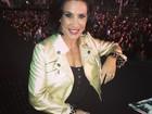 Scheila Carvalho usa look curtíssimo em show de Gusttavo Lima