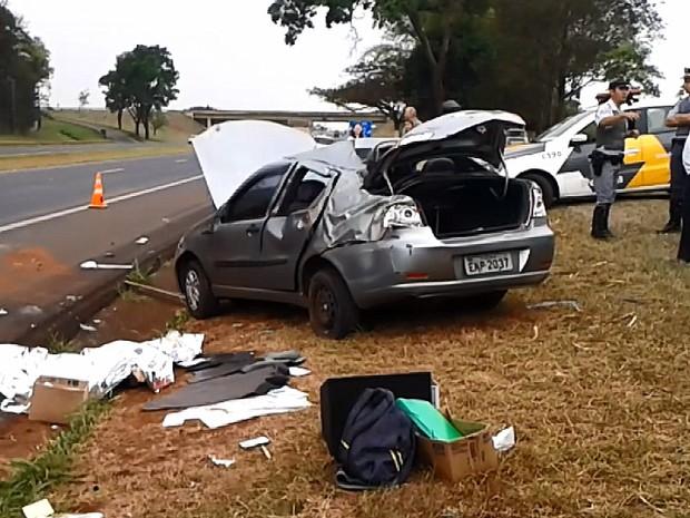 Idosa morreu após capotagem na SP-310 em Araraquara (Foto: Reprodução EPTV)