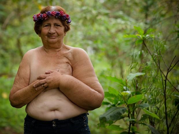 Aurora Alves de Oliveira, de 72 anos, retirou os dois seios após diagnóstico de câncer; moradora de Limeira (Foto: Natália Alves/Arquivo pessoal)