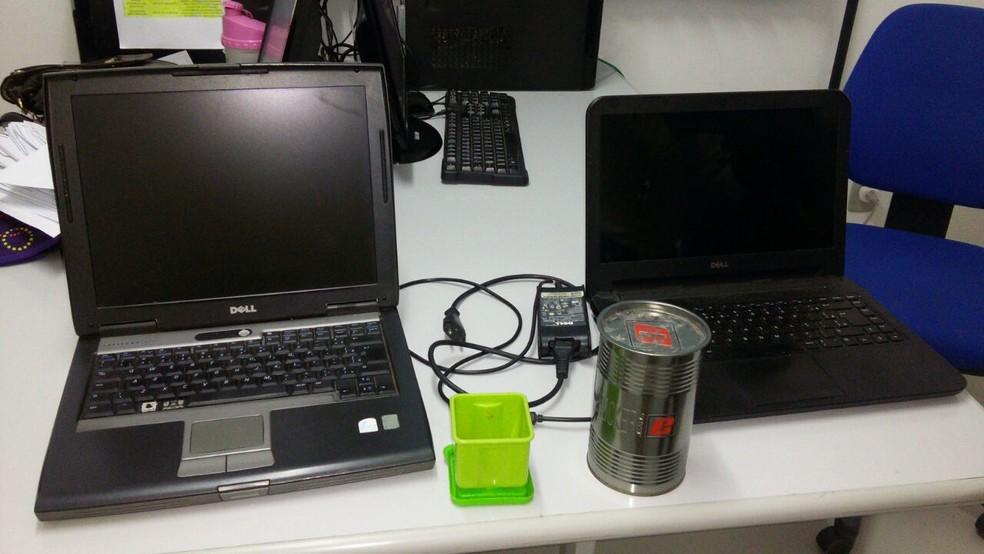 Foram apreendidos computadores e maconha no gabinete do pastor (Foto: Aracelly Romão/ TV Grande Rio )