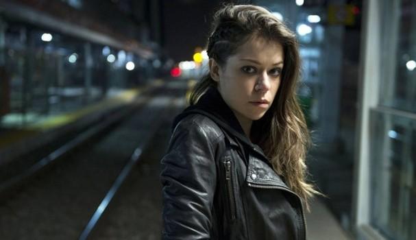"""Tatiana Maslany no papel de Sarah, em """"Orphan Black"""" (Foto: Divulgação)"""