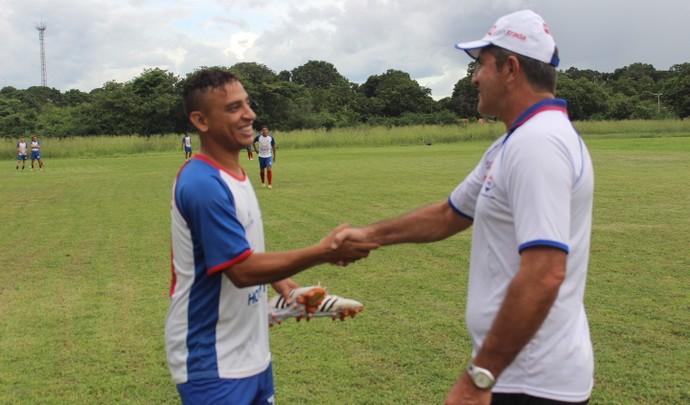 Edson Di, atacante do Piauí (Foto: Abdias Bideh/GloboEsporte.com)