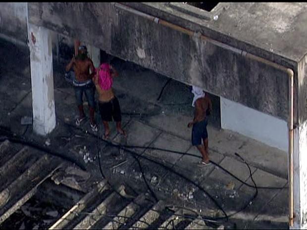 Rio de Janeiro Invasores de prédio abandonado no Engenho Novo são da favela Rato Molhado, segundo a Polícia Militar (Foto: Reprodução/ TV Globo)