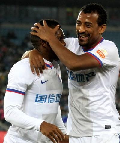 Elias atualmente defende o Jiangsu Sainty (Foto: Divulgação/Bloom Soccer)