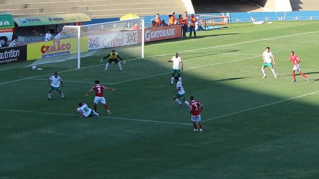 Vila Nova x Betim - Série C 2013 - Serra Dourada (Foto: Fernando Vasconcelos / Globoesporte.com)