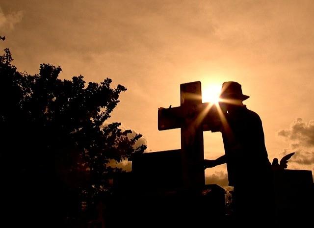 De Ponta a Ponta mostra tradição no cemitério (Foto: Reprodução / TV TEM)