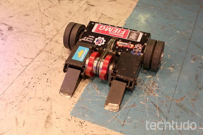 """""""UFC de robôs"""" é atração da Campus Party 2014 (Foto: Melissa Cruz/TechTudo)"""