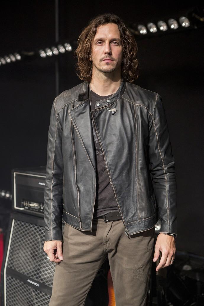 Jaqueta de couro é a peça preferida de Vladimir Brichta (Foto: Felipe Monteiro/Gshow)