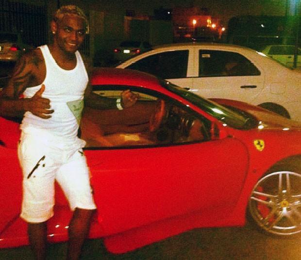 Jobson Ferrari carro (Foto: Reprodução / Instagram)