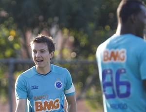 Dagoberto; Cruzeiro; treino; Toca da Raposa II (Foto: Washington Alves / Vipcomm)