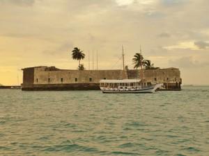 Forte São Marcelo, na Baía de Todos os Santos, em Salvador. (Foto: Maiana Belo/G1 BA)