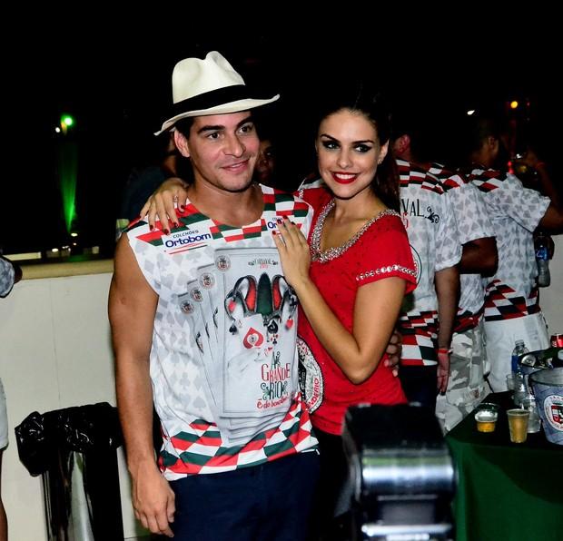 Paloma Bernardi e Thiago Martins no ensaio da Grande Rio (Foto: William Oda / AgNews)