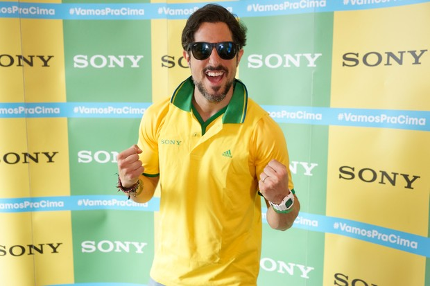 Marcos Mion no Ponto de Encontro de encontro Sony do jogo Brasil x Alemanha - BH (Foto: Sony Produtora 7)