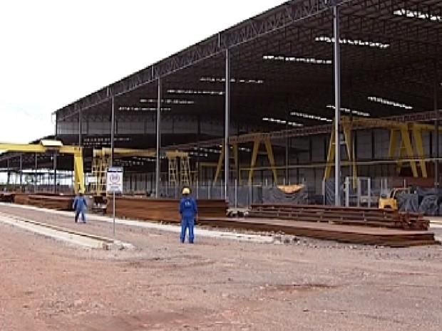Estaleiro da hidrovia Tietê-Paraná estão sendo construído em Araçatuba (Foto: Reprodução / TV Tem)
