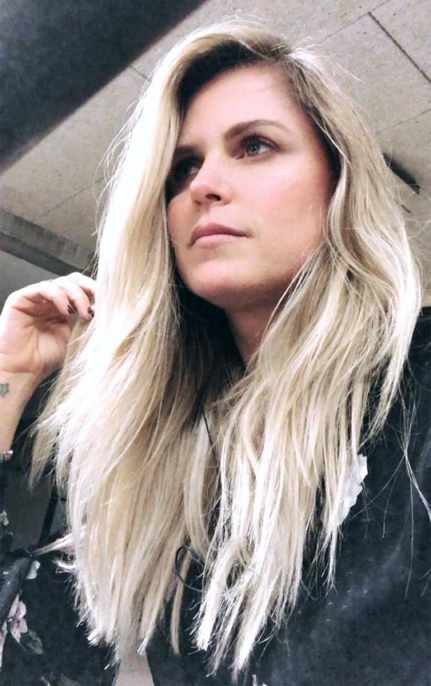 Susana Werner depois de platinar os cabelos (Foto: Reprodução/Instagram)