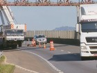 Fernão Dias é interditada para instalação de passarela no Sul de MG