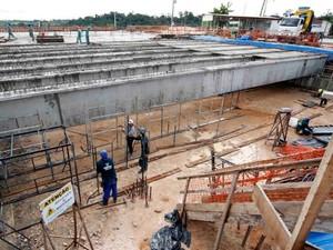 Mais de 70% das obras do novo viaduto estão concluídas (Foto: Altemar Alcantara/Semcom)