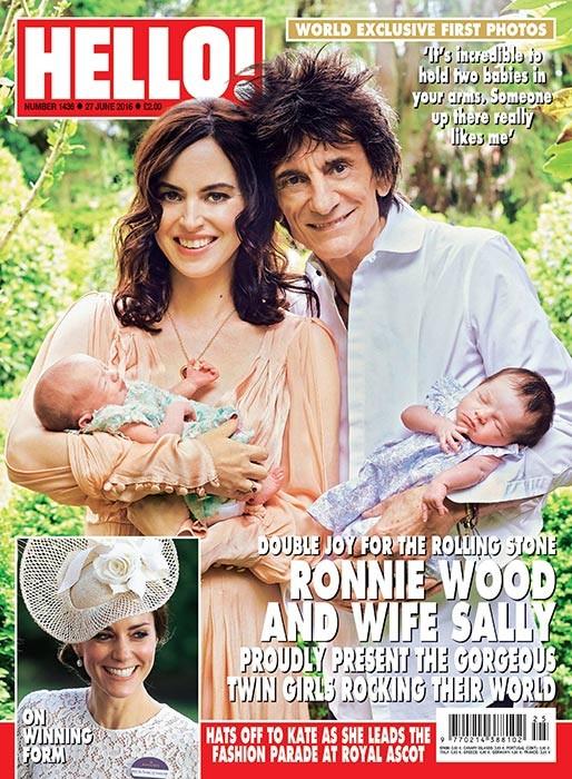 Ronnie Wood mostra gêmeos pela primeira vez (Foto: Reprodução / Holla!)