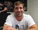 Próximo de segunda luta no UFC, Rockhold pensa em subir de categoria